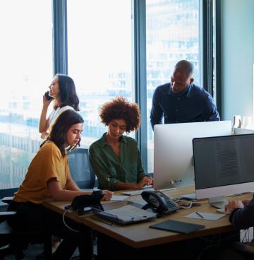 Pessoas em reunião